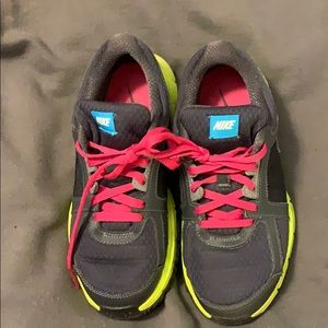Women's  / Girl's NIKE Athletic Shoes.